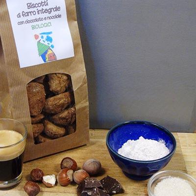 Biscotti biologici con farro e nocciole